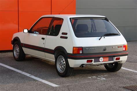 vintage peugeot cars peugeot 205 gti 105 ch voitures vintage carro
