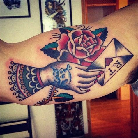 tattoo old school letters 25 best tattoo traditional love letters images on