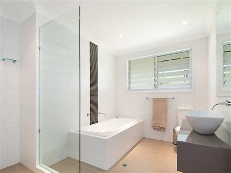 Modern Bathroom Windows Modern Bathroom Design With Louvre Windows Using Frameless Glass Bathroom Photo 1360590
