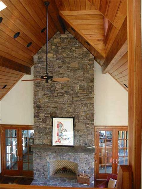Fireplace Vaulted Ceiling by Cathedral Ceiling And Fireplace Living Room Ideas