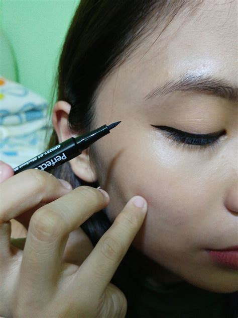 Eyeliner Liquid Silkygirl review silkygirl sharp eyeliner matte junkie