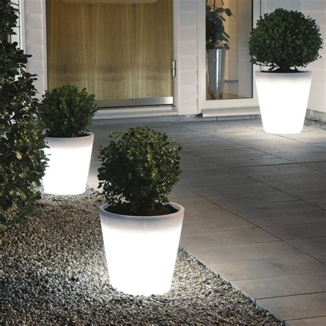 Hello Garden Light With Planter by Assisi Led Planter Low Voltage Garden Light 12v Outdoor