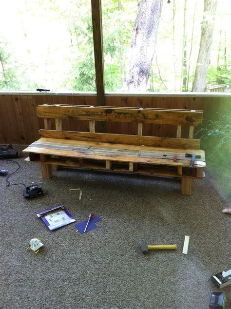 pallet bench pinterest pallet bench diy pinterest