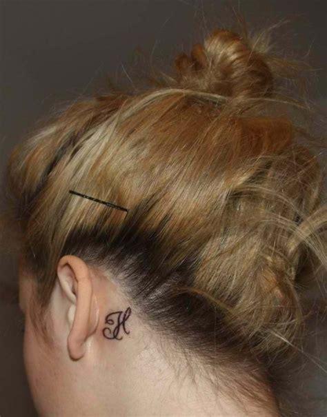 tattoo letter behind ear 15 sexy ear tattoo ideas for girls amazing tattoo ideas
