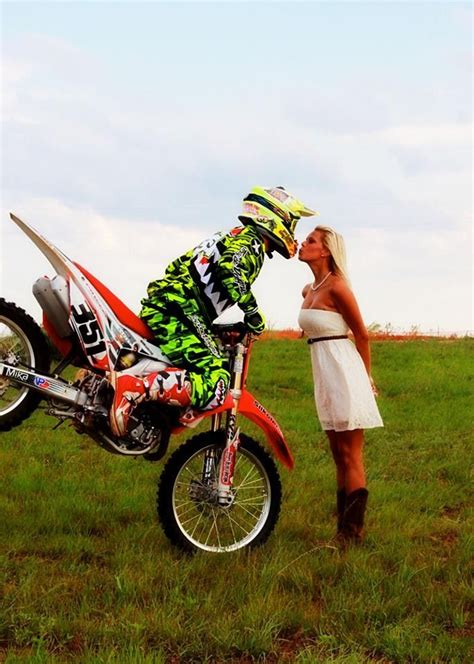 imagenes love motocross 1000 images about motocross engagement winter wedding