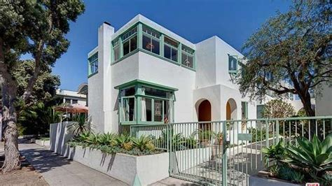 stunning irving gill townhouse  santa monica asks