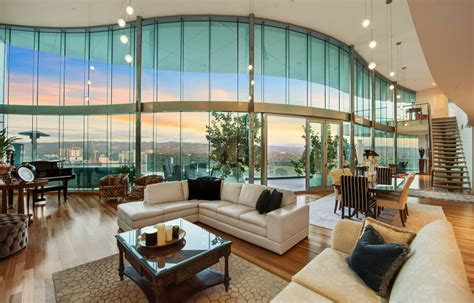 wave exclusive penthouse  international vibe