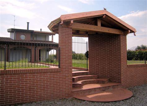 tettoie in legno per cancelli portici gazebo coperture copri cancelli in legno