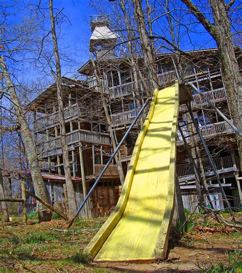 tree house slide pin media gallery treehouse in blog on pinterest