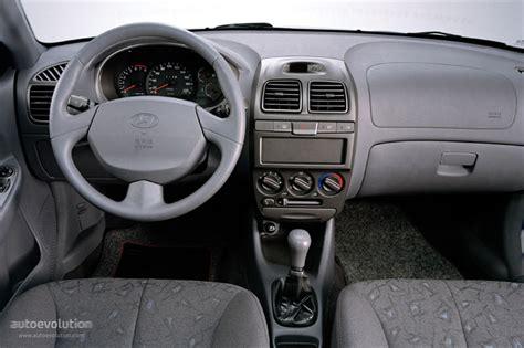 Hyundai Accent 2000 Interior by Hyundai Accent 4 Doors 1999 2000 2001 2002 2003