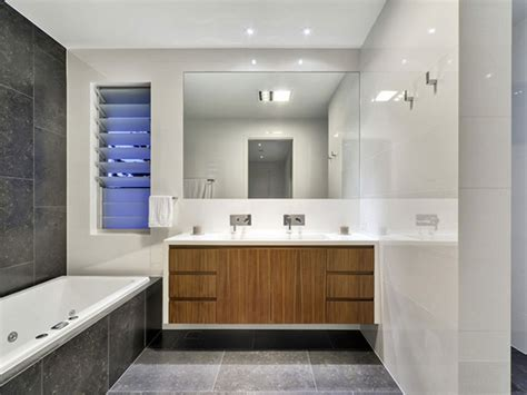 Limited Space Bathroom Designs by Limited Clear Bathroom Space Iroonie