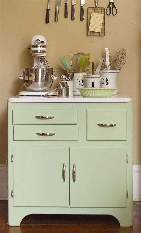 how to chalk paint kitchen cabinets 169 best annie sloan chalk paint ideas images on pinterest