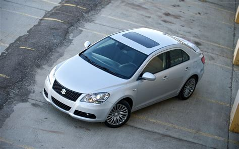 suzuki kizashi 2012 widescreen car image 10 of 46