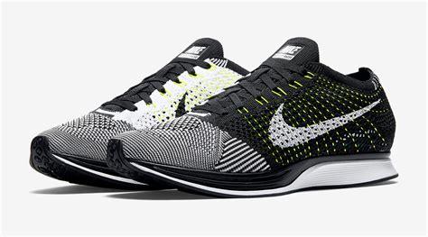 New Sepatu Running Nike Flyknit Racer Black White nike flyknit racer white black volt sneaker bar detroit
