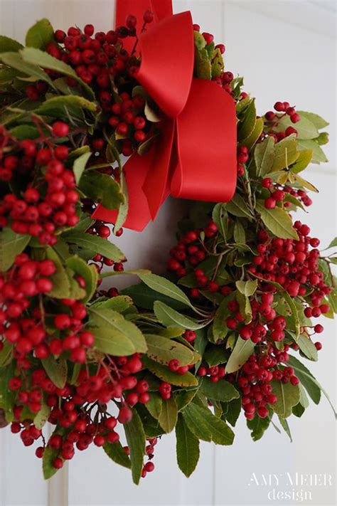 christmas decorations with berries the pink pagoda wreaths