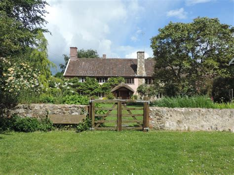 Farm And Cottage Holidays Holyford Farm Cottages Visit Colyton