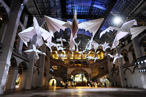 sipho mabona flocks origami birds in tropenmuseum