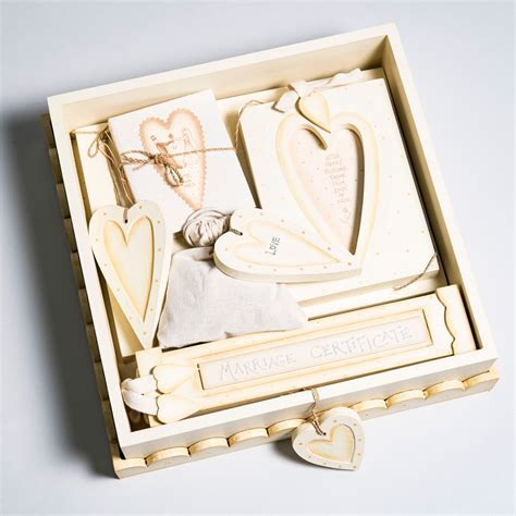 Wedding Box Gift Set   Wedding Gifts   GettingPersonal.co.uk