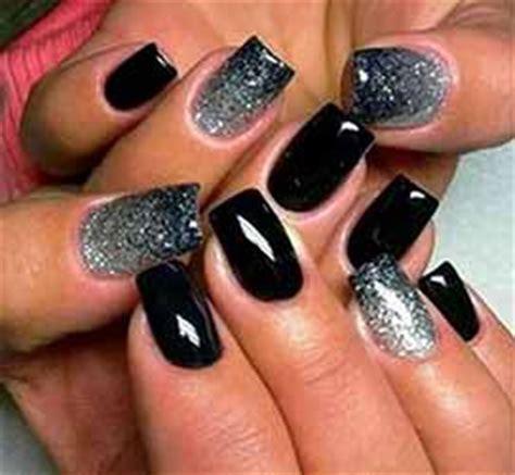 modele ongle gel noir et blanc ongles en gel noir