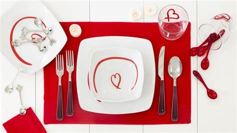 platos cuadrados de porcelana platos cuadrados originalidad en la mesa westwing