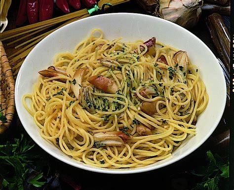 come cucinare i cannolicchi ricetta spaghetti con i cannolicchi donna moderna
