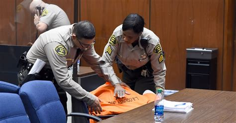 suge knight collapses  court  bail set   million rolling stone