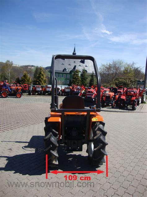 Traktor Neu Lackieren Kosten by Kleintraktor Allrad Traktor Kubota B1600 Neu Lackiert Mini
