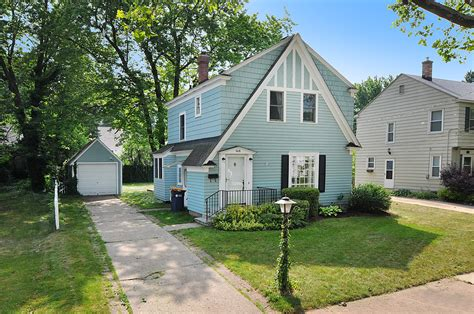 Small Homes For Sale Grand Rapids Mi 1618 Margaret Ave Se House Properties Grand Rapids