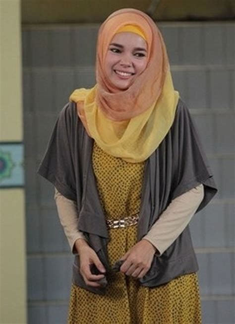 video tutorial hijab ala dewi sandra 28 ide model busana muslim dewi sandra ide model busana