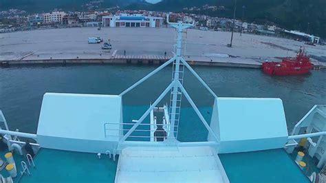 porto di patrasso hellenic spirit anek lines attracco al porto di