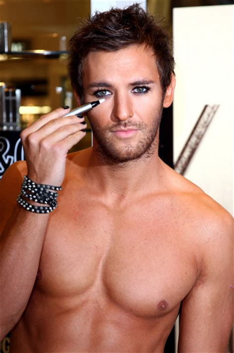 eyeliner tutorial for guys do you like men who wear makeup the student room