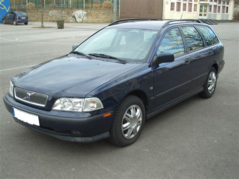 automobile air conditioning repair 2000 volvo s70 free book repair manuals service manual how to unlock 2000 volvo v40 2000 volvo v40 pictures cargurus volvo v40