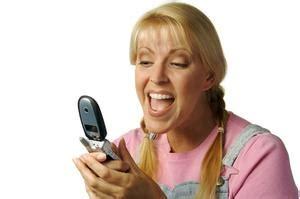 una ragazza in due testo come flirtare con una ragazza attraverso text