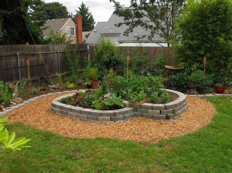 simple backyard ideas for small yards fabulous simple landscaping ideas for small front yard