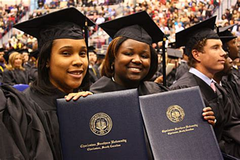 Mba Charleston Southern by Charleston Southern Graduates Encouraged To
