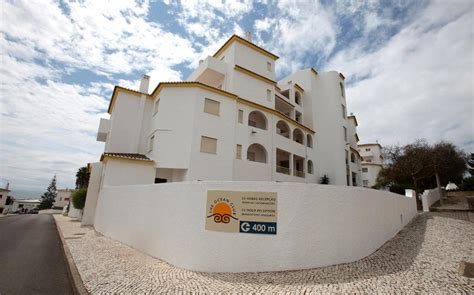 appartments in portugal british grandmother buys apartment madeleine mccann