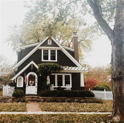 cottage house exterior pinterest the world s catalog of ideas