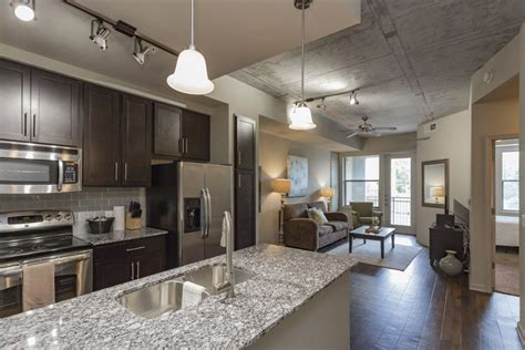 sobe downtown columbus  bedroom apartment  wi fi  internet access updated