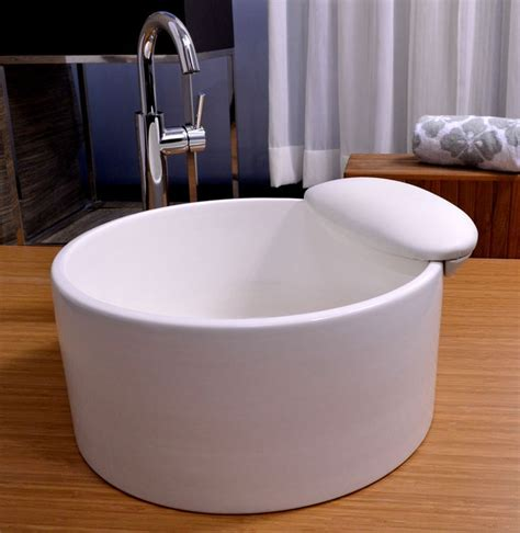 Pedicure Bowls With Plumbing by 25 Best Ideas About Pedicure Chair On