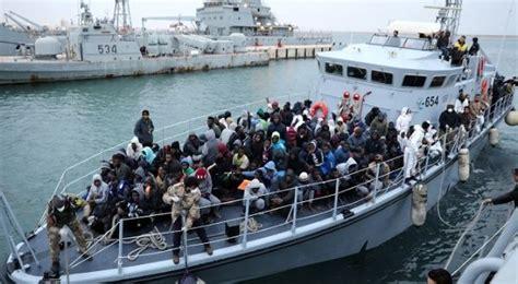 refugee boat sinks 2018 100 people missing off libya as europe bound refugee boat