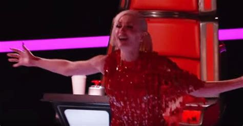 the voice 2015 premiere recap smith sings quot smith performs chandelier on the voice