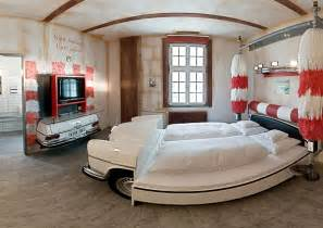 Cool Bedroom Ideas by 10 Cool Room Designs For Car Enthusiasts Digsdigs