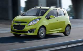 2013 chevrolet spark in green motion view photo 4