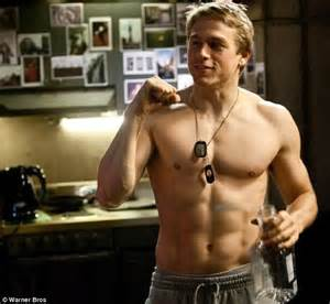 charlie hunnam buff fifty shades of grey star charlie hunnam has been dating