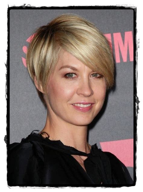 hair styles for oval face over 30 short hairstyles for oblong faces in women over 50 short