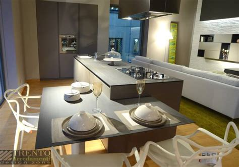 cucine con tavolo a isola emejing cucine con tavolo a isola images home ideas