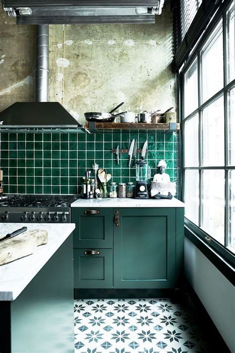 dark green kitchen cabinets 30 green kitchen decor ideas that inspire digsdigs