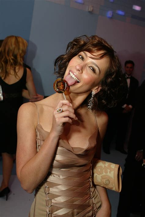 Vanity World Jennifer Love Hewitt Photo 14 Of 1461 Pics Wallpaper