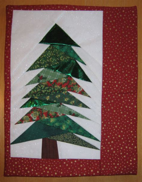 pattern for paper pieced christmas tree foundation piecing skye quilters