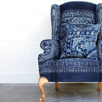 And Blue Armchair by Best 25 Blue Chairs Ideas On Reupholster Furniture Blue Velvet Chairs And Chair